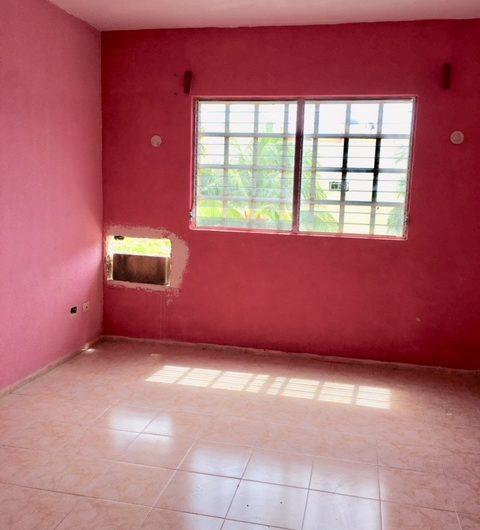 Casa coloreada de 3 recámaras en venta