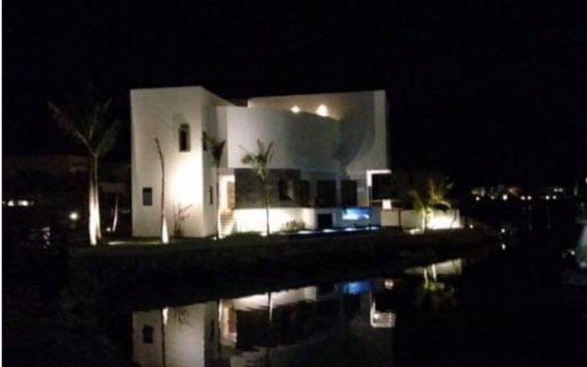 Casa de Lujo para vivir Superior Frente al Mar