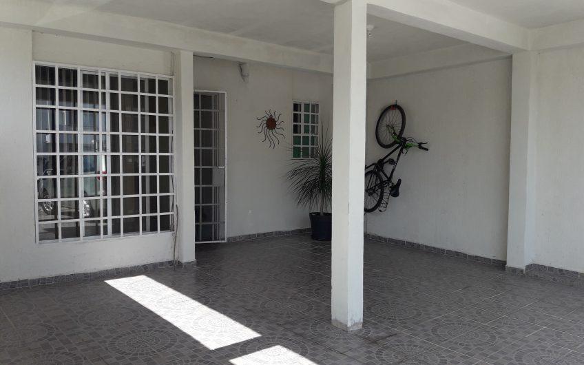 Bonita casa en venta en excelente ubicación muy céntrica