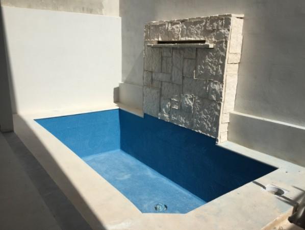 Casa En Venta En Aqua 3 Recamaras Alberca y Terraza Cerca De Cumbres Arbolada Villa Magna