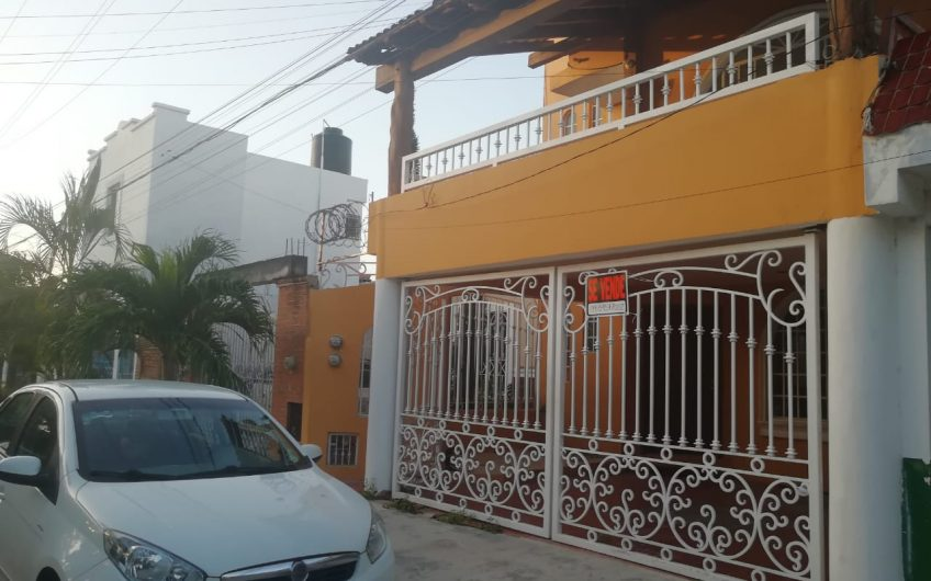 Bonita casa ideal para negocio o familia grande (5 recámaras)
