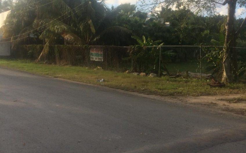 Ubicadísimo terreno de 4,200 m2 en Cancún a 500 m de VW-Blvd. Colosio